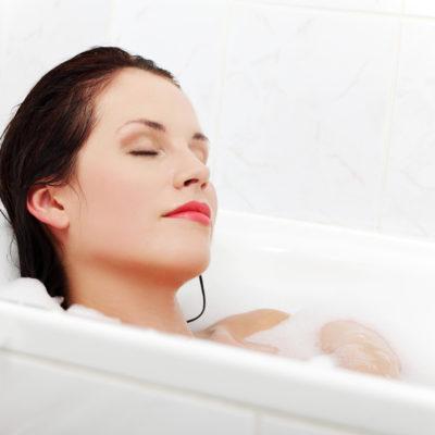 Ritual de belleza en el baño
